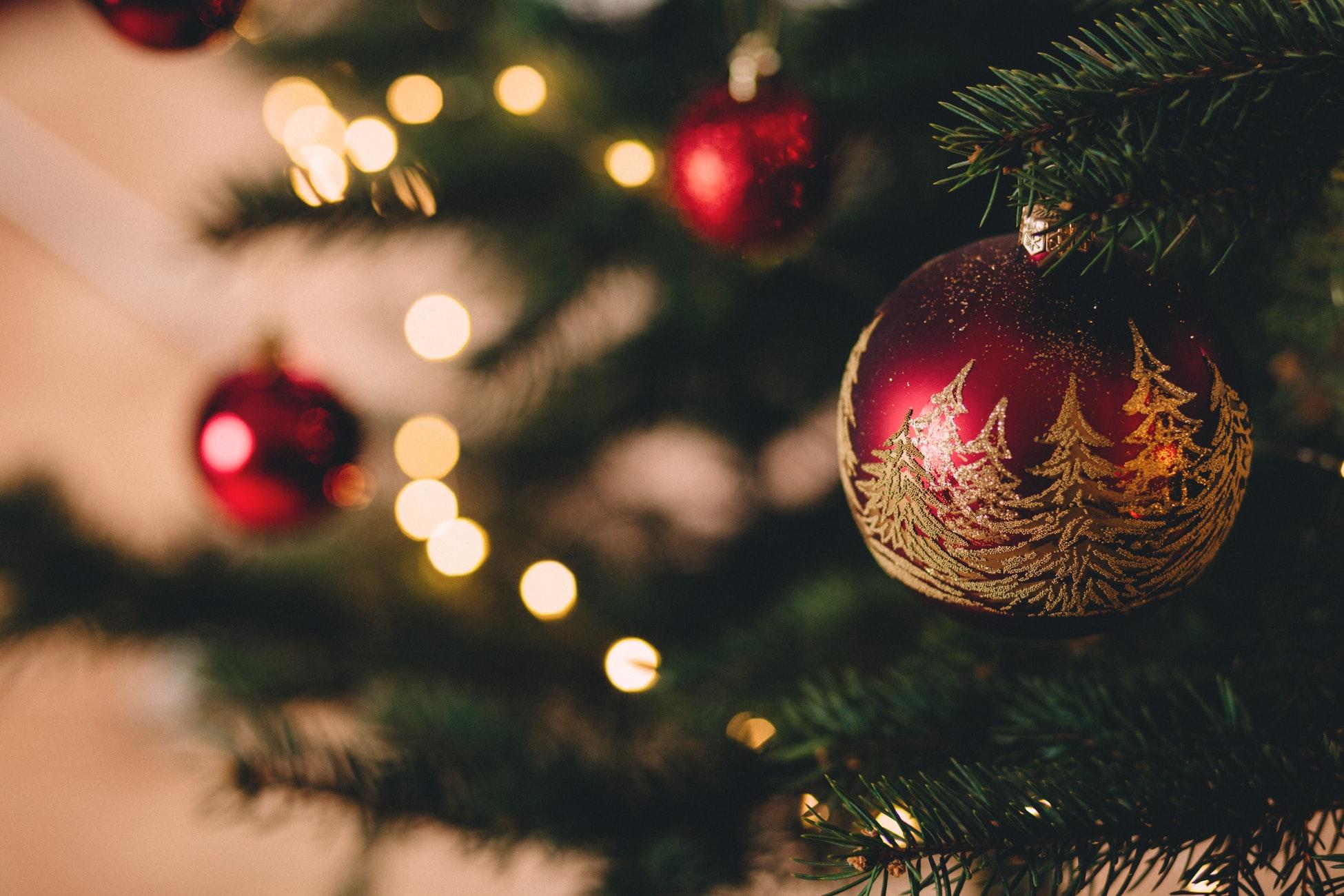 Wir wünschen Ihnen ein schönes Weihnachtsfest!